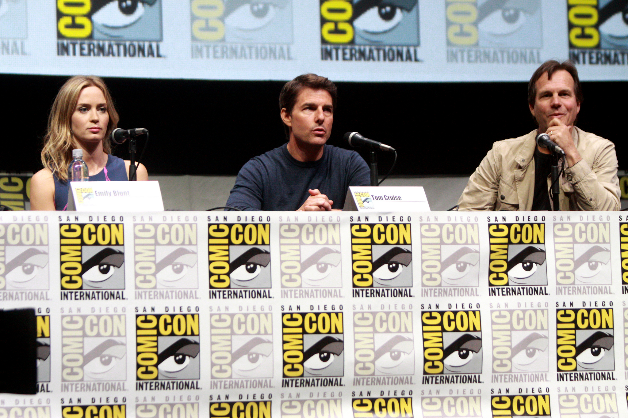 Emily Blunt, Tom Cruise and Bill Paxton speaking at the 2013 San Diego Comic Con International. Photo by Gage Skidmore